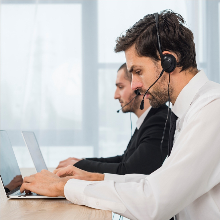people-working-call-center